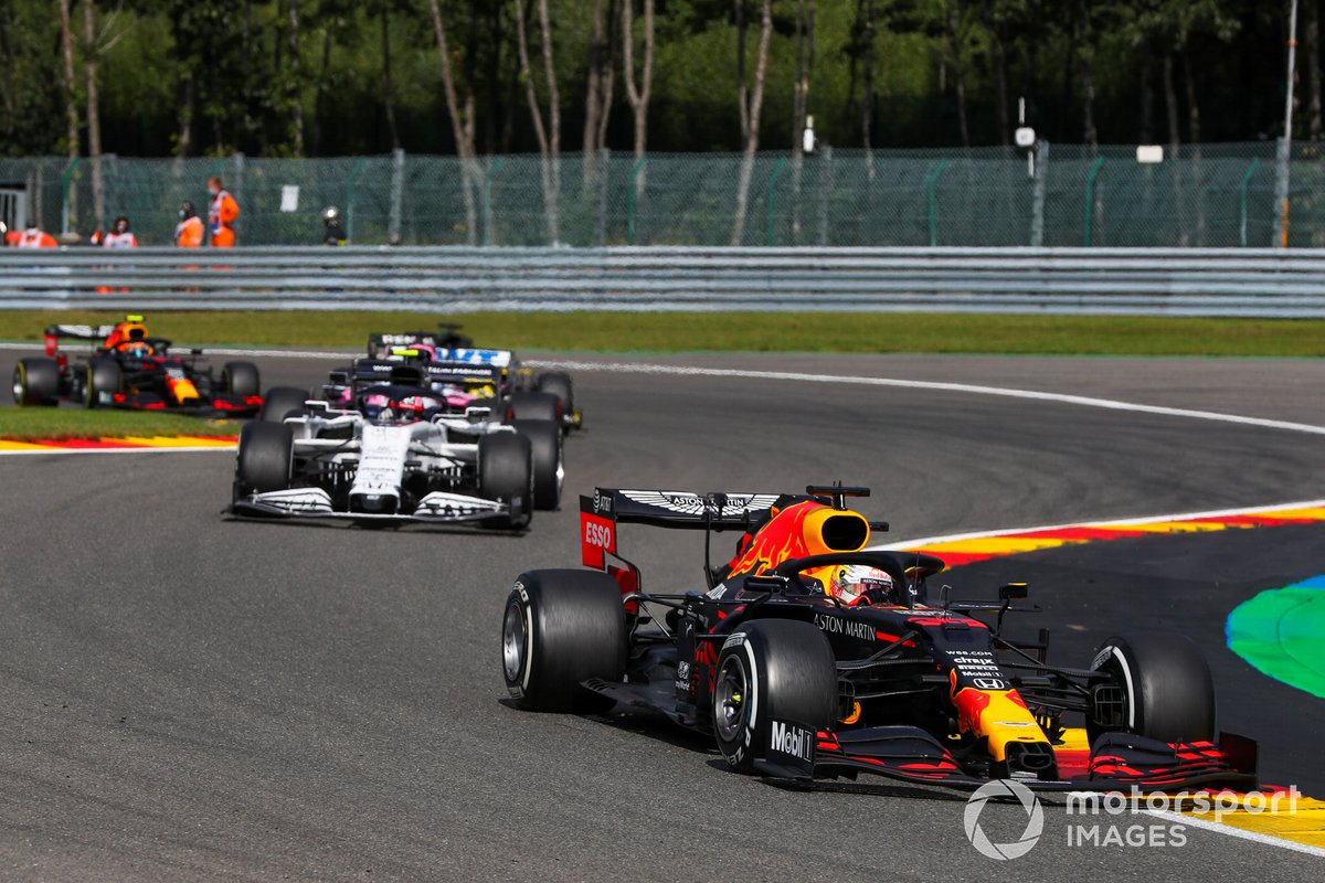 Max Verstappen, Red Bull Racing RB16, Daniil Kvyat, AlphaTauri AT01,