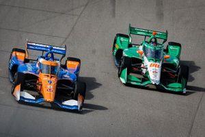 Scott Dixon, Chip Ganassi Racing Honda, Colton Herta, Andretti Harding Steinbrenner Autosport Honda
