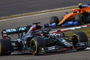 Lewis Hamilton, Mercedes F1 W11, Lando Norris, McLaren MCL35
