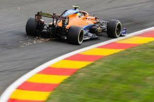 Scintille generate dell'auto di Lando Norris, McLaren MCL35