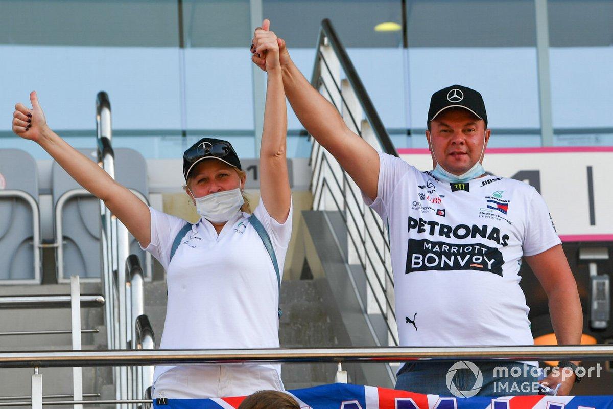 Tifosi Mercedes sulle tribune