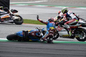 Sam Lowes, Marc VDS Racing, Somkiat Chantra, Honda Team Asia, Jorge Navarro, Speed Up Racing crash