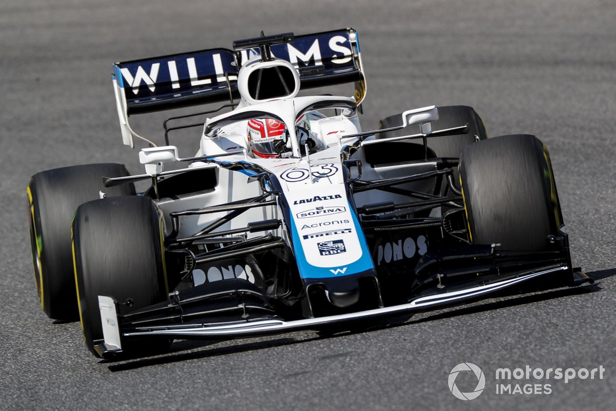 Джордж Расселл за рулем Williams FW43