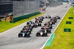 Dan Ticktum, Dams et Louis Deletraz, Charouz Racing System au départ de la course