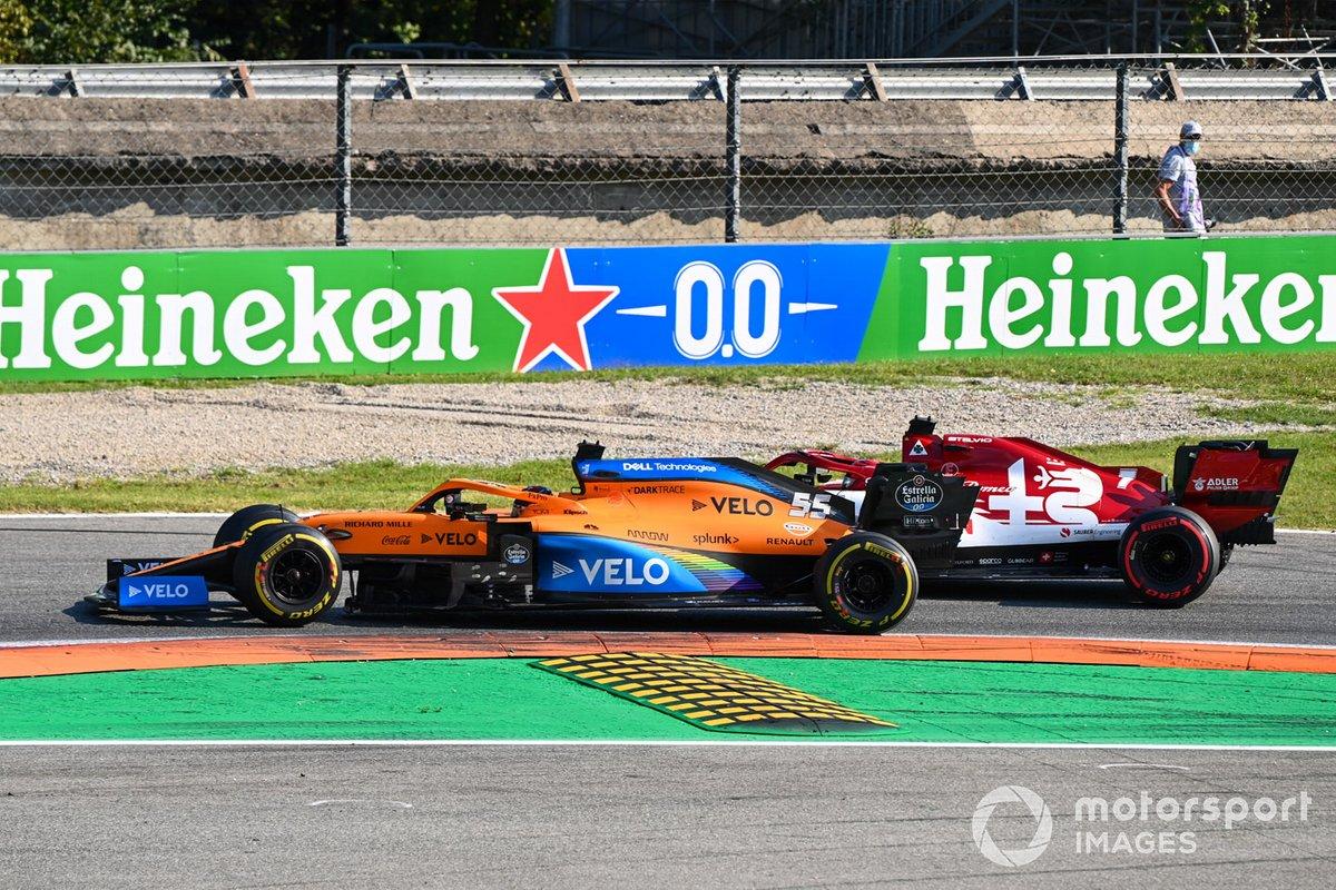 Carlos Sainz Jr., McLaren MCL3, Kimi Raikkonen, Alfa Romeo Racing C39