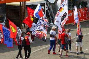 I tifosi con le bandiere
