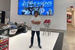 Fernando Alonso, Alpine visits Motorsport Network office in Miami