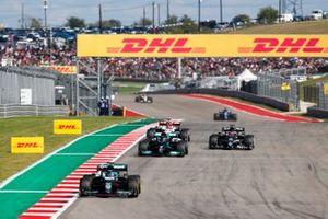 Lance Stroll, Aston Martin AMR21, Lewis Hamilton, Mercedes W12, et Yuki Tsunoda, AlphaTauri AT02