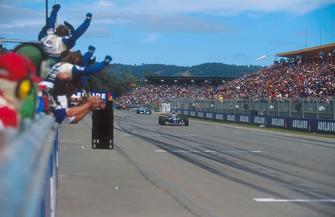 Il vincitore della gara Nigel Mansell, Williams FW16B