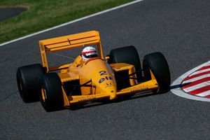 Satoru Nakajima, Lotus 100T lors des Legends F1 30th Anniversary Lap Demonstration