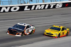 Regan Smith, Leavine Family Racing, Chevrolet Camaro Procore and Michael McDowell, Front Row Motorsports, Ford Fusion Love's/ Luber Finer