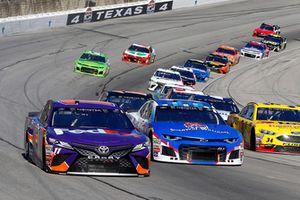Denny Hamlin, Joe Gibbs Racing, Toyota Camry FedEx Office e #1: Jamie McMurray, Chip Ganassi Racing, Chevrolet Camaro Sherwin-Williams