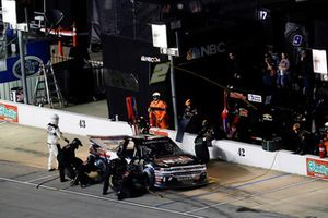 Sheldon Creed, GMS Racing, Chevrolet Silverado AM Ortega/United Rentals, pit stop