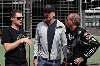 Tom Kristensen talks with Fredrik Johnsson and Terry Grant