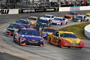 Denny Hamlin, Joe Gibbs Racing, Toyota Camry FedEx Freight and Joey Logano, Team Penske, Ford Fusion Shell Pennzoil