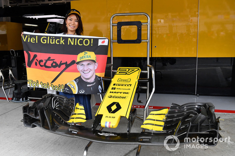 Nico Hulkenberg, Renault Sport F1 Team fan and banner