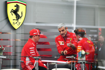 Maurizio Arrivabene, directeur de Ferrari, avec Kimi Raikkonen, Ferrari et Sebastian Vettel, Ferrari