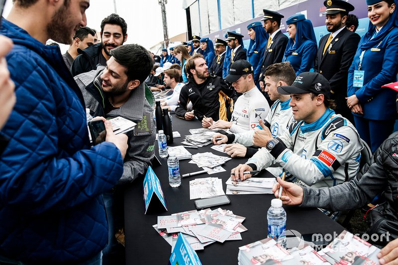 Felipe Massa, Venturi Formula E gives a thumbs up to a fan at the autograph session