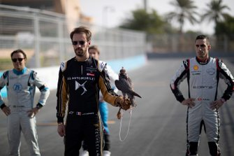 Jean-Eric Vergne, DS TECHEETAH, with a falcon