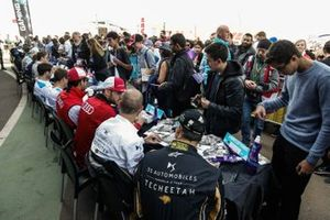 The drivers including Andre Lotterer, DS TECHEETAH, Jean-Eric Vergne, DS TECHEETAH, at an autograph signing session