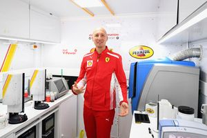Benoit Poulet in Shell Track Lab