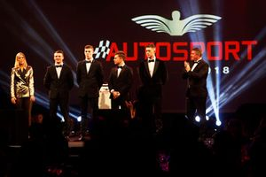 I candidati al McLaren Autosport BRDC Award Jamie Caroline, Tom Gamble, Max Fewtrell e Kiern Jewiss, sul palco