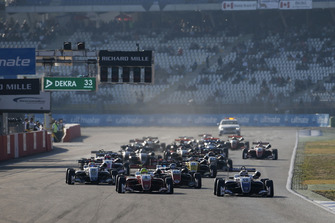 Start action, Robert Shwartzman, PREMA Theodore Racing Dallara F317 - Mercedes-Benz leads