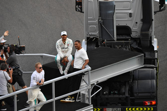 Lewis Hamilton, Mercedes AMG F1 and Will Smith on the drivers parade