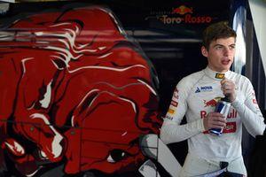 Max Verstappen, Scuderia Toro Rosso inicios