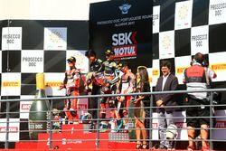 Podium: 1. Jonathan Rea, Kawasaki Racing; 2. Chaz Davies, Ducati Team; 3. Marco Melandri, Ducati Tea