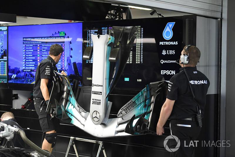 Mercedes F1 W08: Nase und Frontflügel