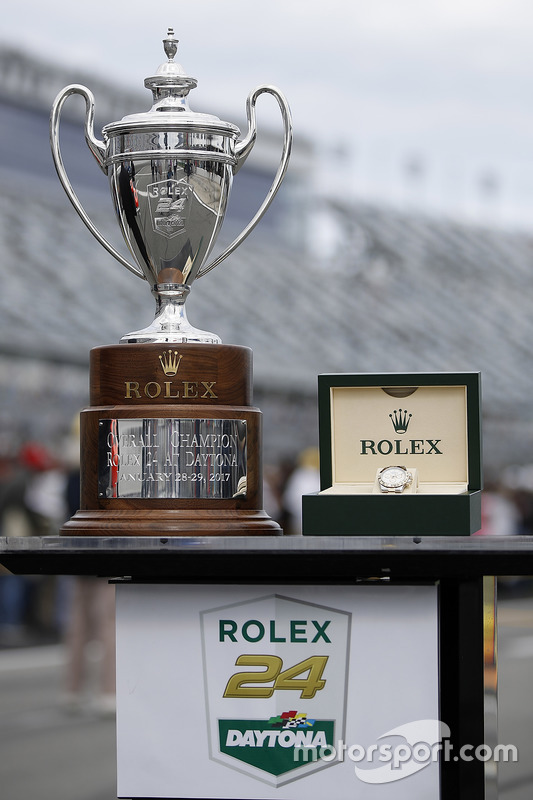 Rolex 24 beker en Daytona horloge