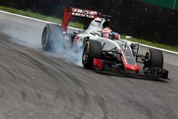 Romain Grosjean, Haas F1 Team VF-16 va al bloccaggio in frenata