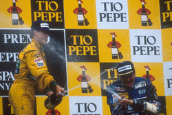 Podium: Race winner Nigel Mansell, Williams Renault and second place Michael Schumacher, Benetton Ford