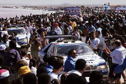 Peugeot 405 en la playa de Dakar