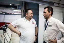 Yves Matton, Citroën Motorsporları Direktörü ve François Ribeiro, Eurosport Motorsporları Direktörü