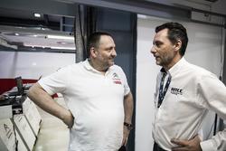 Yves Matton, directeur de Citroën Motorsport avec François Ribeiro, Eurosport Motorsport