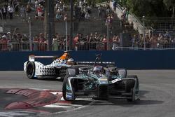 Adam Carroll, Jaguar Racing; Jérôme d'Ambrosio, Dragon Racing