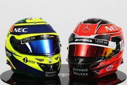 (Izq a der) Los cascos de Sergio Pérez, Sahara Force India F1 y Esteban Ocon, Sahara Force India F1