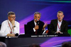 Conférence de presse : Ross Brawn, directeur de la compétition de la FOM, Chase Carey, directeur exécutif du Formula One groupe et Sean Bratches, directeur des opérations commerciales du Formula One Group