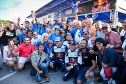 Sébastien Ogier et Julien Ingrassia, Ford Fiesta WRC, M-Sport, avec leur Fan Club