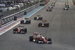 Кими Райкконен, Ferrari SF16-H, и Себастьян Феттель, Ferrari SF16-H