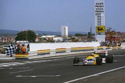 Nigel Mansell, Williams FW11B Honda l'emporte