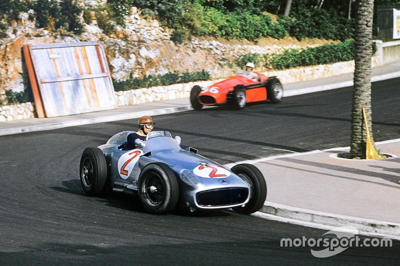 """""""Son carreras de autos, no de hombres"""". Juan Manuel Fangio"""