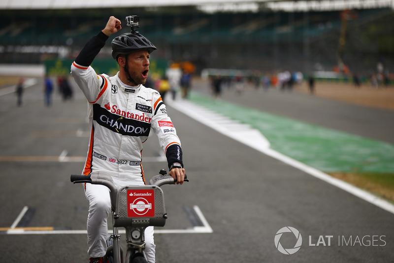 Jenson Button, McLaren, con Bicicletas Santander