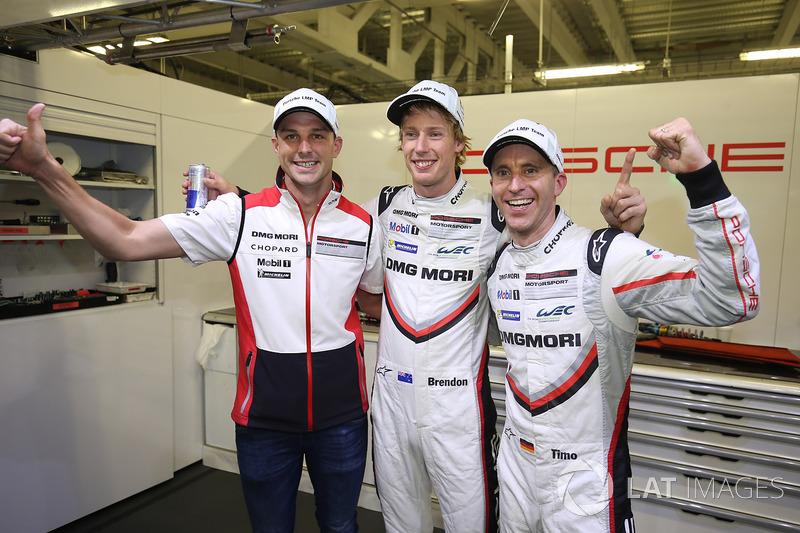 Ganadores de la pole Timo Bernhard, Earl Bamber, Brendon Hartley, Porsche Team
