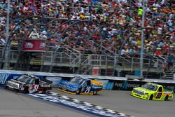 Kyle Busch, Kyle Busch Motorsports Toyota, Chase Briscoe, Brad Keselowski Racing Ford, Matt Crafton,