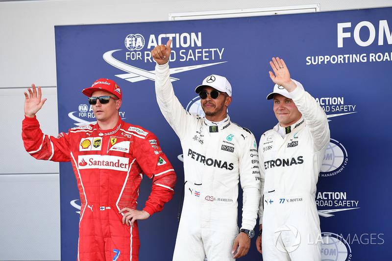 Kimi Raikkonen, Ferrari, Polesitter Lewis Hamilton, Mercedes AMG F1, Valtteri Bottas, Mercedes AMG F1