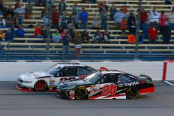 Sam Hornish Jr, Discount Tire Ford Mustang e Christopher Bell, Joe Gibbs Racing Toyota