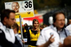 Grid girl van Maxime Martin, BMW Team RBM, BMW M4 DTM